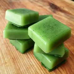 Matcha green tea latté gummies. Say what?! These yummy gummies have quite the protein power. Some benefits of collagen and gelatin: Help heal your gut, improve digestion, supports skin, nail and hair growth, helps with joint health and can even help w sl