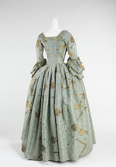 Pandora's: 18th Century Fashion      Robe à l'Anglaise (1770–75), made of silk and metal