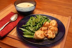 Seared Scallops With Snow Peas and Orange