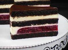 Znalezione obrazy dla zapytania tort oblany biala czekolada