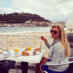 Buen provecho! Throwback to a yummie breakfast on Bahia de la Concha ☕️☕️☕️ #sansebastian #donostia #spain #travel #breakfast #coast #españa #traveling #roadtrip #wanderlust #food #travelgram #picoftheday #photooftheday #igtravel #travelling #instatravel #instagood #instadaily #bahiadelaconcha #igspain #breakfasttime #europe #espana #paisvasco #europa #basquecountry #igersspain #holiday #vacation