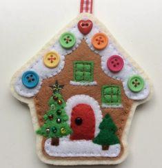 Buttons and felt christmas house Christmas decorations Felt Christmas Decorations, Christmas Ornaments To Make, Christmas Sewing, Christmas Projects, Handmade Christmas, Holiday Crafts, Christmas Buttons, Diy Ornaments, Beaded Ornaments