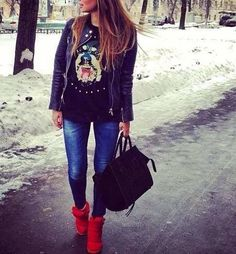 Sneakers and skinny jeans!
