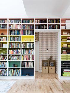 Love Bookshelf, Painted Bookshelves, Bookshelves Built In, Bookshelf Ideas, Diy Bookshelf Wall, Bookshelf Styling, Bookcases, Big Design, Design Ideas