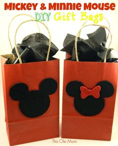 Mickey and Minnie Mouse Gift Bags DIY: Mickey and Minnie Mouse Gift Bags Great for Birthday Parties as Party Favor Bags.DIY: Mickey and Minnie Mouse Gift Bags Great for Birthday Parties as Party Favor Bags. Dulceros Mickey Mouse, Minnie Mouse Gifts, Mickey Mouse Party Favors, Theme Mickey, Mickey Mouse Parties, Mickey Party, Minnie Mouse Decorations, Mickey And Minnie Wedding, 2 Birthday