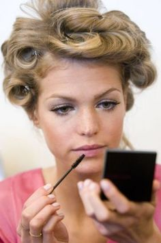 Hair Curler - The Ideal And Easiest Advice In Hair Care Sleep Hairstyles, Summer Hairstyles, Diy Hairstyles, Pretty Hairstyles, Best Hair Curler, 1960s Hair, Hair Shears, Pin Curls, Hair Transformation