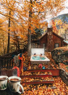 Charming Ideas for Modern Hippie Lifestyle Cabin In The Woods, Cabins In The Mountains, Mountain Cabins, Getaway Cabins, Autumn Aesthetic, Autumn Cozy, Cozy Cabin, Fall Season, Fall Halloween