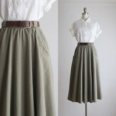 Lessons That Will Get You In The arms of The Man You love Modest Outfits, Skirt Outfits, Modest Fashion, Skirt Fashion, Cool Outfits, Casual Outfits, Fashion Dresses, Midi Skirt Outfit, Vintage Dresses