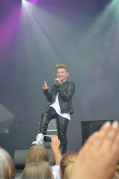 Ew noget under min sko Marcus Y Martinus, Leather Fashion, Leather Outfits, My Friend, Friends, Love You, Popular, Beautiful, Concert