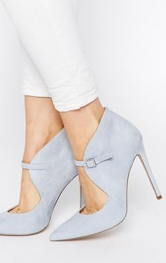 soft blue shoes - perfect for a winter wedding!