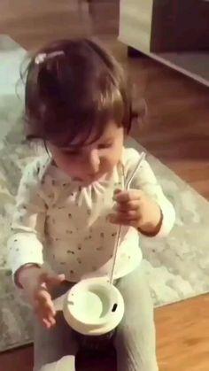 Cute Funny Baby Videos, Crazy Funny Videos, Cute Funny Babies, Funny Videos For Kids, Funny Animal Videos, Funny Cute, Cute Kids, Adorable Babies, Hilarious