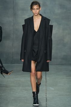 Vera Wang toughens up for fall 2015. See the collection on Vogue.com.