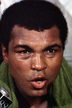 SI's 100 Greatest Photos of Muhammad Ali | Sports Illustrated Vault | SI.com Thrilla In Manila, Neil Leifer, Muhammad Ali Boxing, Float Like A Butterfly, Hometown Heroes, Boxing Champions, World Of Sports, Sports Illustrated, Great Photos