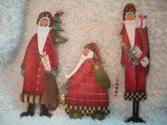 Ornaments painted at the Tole Shop. Santa Crafts, Christmas Crafts, Christmas Ornaments, Christmas Stuff, Christmas Ideas, Santa Paintings, Pintura Country, Country Paintings, Santa Baby