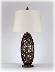 L286924T by Ashley Furniture in Winnipeg, MB - Poly Table Lamp