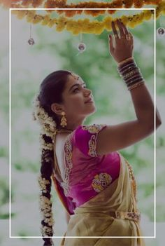 We spotted bunch of south indian brides who totally nailed their wedding look be it because of their bridal saree, jewelery or the traditional south Indian bridal makeup and hairstyle. Indian Wedding Planning, Wedding Planning Websites, Wedding 2017, Goa Wedding, Wedding Shoot, Wedding Decor, Destination Wedding, Groom Wear, Groom Outfit