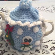 SNOW GLOBE TEA COSY Fits 6 cup tea pot. Great for the winter season. Or just for Holiday fun. HANDMADE TEA COSY! Other