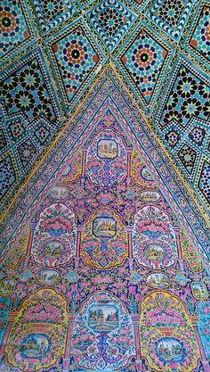 Persian Architecture, Sacred Architecture, Beautiful Architecture, Islamic Tiles, Islamic Art, Complex Art, Pencil Portrait Drawing, Beautiful Mosques, Iranian Art