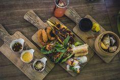 Bei COA gibt es einen leckeren Querschnitt der frischen und gesunden asiatischen Küche von Sommerrollen über Dim Sum und Papaya-Garnelen Salat.