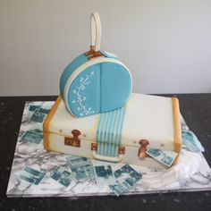 Couple On The Run  1950's luggage cake for a Bonnie & Clyde themed wedding