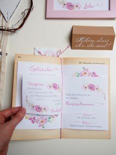 Hochzeit DIY Motto Reisen, Menü- und Getränkekarte Cover, Wedding Ideas, Journey Tattoo, Travel Gifts, Place Cards, Invitation Ideas, Blankets