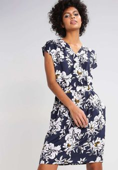 Marvelous 130+ Beautiful Floral Dress https://fazhion.co/2017/03/30/130-beautiful-floral-dress/ Winter gloves are designed in accordance with the requirements of the consumer. Besides dresses, these types of boots seem cool with denim skirts too. Cowboy boots are not only for cowboys and they're seen throughout the ramp.