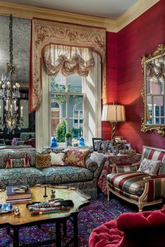 Delancey Place Townhouse by Eberlein Design Consultants Ltd., Delancey Place Townhouse by Eberlein Design Consultants Ltd. Victorian Home Decor, Victorian Interiors, Victorian Furniture, Dark Interiors, Beautiful Interiors, Elegant Home Decor, Elegant Homes, Maximalist Interior, Classic Living Room