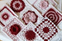 Crochet granny square patterns for Valentine hearts, free pattern links to download and print out. ༺✿ƬⱤღ✿༻