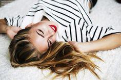 stripes+red lipstick