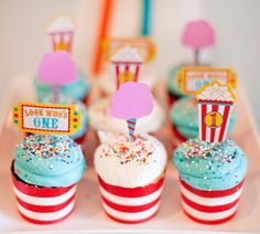 circus party cupcakes with DIY toppers