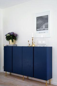 Inspiration til IKEA-hacking af IVAR-skabet - Penrose Living Home Living Room, Interior Design Living Room, Interior Decorating, Dining Room Walls, My New Room, Interior Inspiration, Decor Room, Wall Decor, House Design