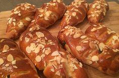 Nejlepší kynuté makové pečivo | NejRecept.cz Hot Dog Buns, Hot Dogs, Pretzel Bites, Bread, Baking, Sweet, Ethnic Recipes, Hampers, Diet