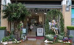 Chelsea in Bloom, exteriores de comercios de Londres se convierten en espectaculares jardines. #flores #flowers #retail #comercio