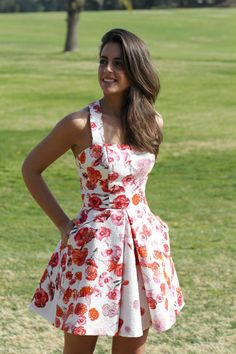 Sillvia Navarro White And Red Poppy Print Skater Dress Dress Outfits, Casual Dresses, Short Dresses, Fashion Dresses, Mode Wax, Girl Fashion, Fashion Looks, Womens Fashion, Evening Dresses
