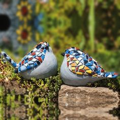 Love these guys, cute art for your yard! I wonder how I could DIY something like this... Gives me ideas for leftover tile too.