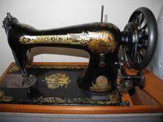 antique vintage old singer sewing machine great decals