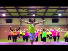 """Set to """"Nota de Amor"""" by Wisin and Carlos Vives featuring Daddy Yankee Zumba Songs, Zumba Videos, Dance Workout Videos, Dance Tips, Dance Lessons, Daddy Yankee, Zumba Routines, Fitbit, Zumba Instructor"""