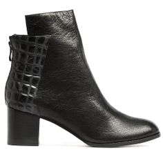 SEXTA | Cinori Shoes #blockheel #ankleboots #booties #winter #aw14 #leather #style #chic #classic #black