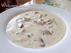 I always make this soup when I have mushrooms in the fridge that I need to use. It is so rich a. Crockpot Recipes, Soup Recipes, Cooking Recipes, Yummy Recipes, Recipies, Yummy Food, Creamed Mushrooms, Stuffed Mushrooms, Salad Sauce