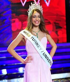 The Times of Beauty offers annual and exclusive coverage of the Miss World and Miss Universe pageants with news and information of the national pageants and contestants. Miss Universe 2014, Smile Pictures, Miss World, Beauty Pageant, Turkish Actors, Beautiful Smile, Ariana Grande, Beauty Women, Turkey