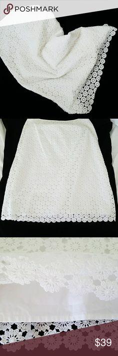 🎉✴ANN TAYLOR 28-32 waist 24 length *BUNDLE & save with our DISCOUNT * Ann Taylor Skirts Midi