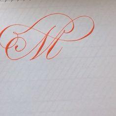2,881 отметок «Нравится», 227 комментариев — Sybille (@pebbleinthesky) в Instagram: «Here's a sneak peek of today's headline : a playful little M for all the calligraphy video lovers…»