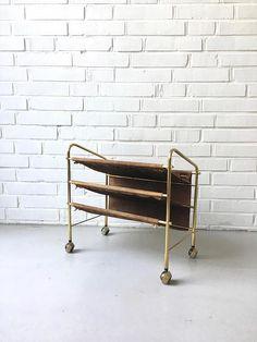 Mid Century Zeitschriftenständer Vintage Zeitungswagen Newspaper Stand, Vintage Newspaper, Office Shelf, Magazine Stand, Small Shelves, Mid Century Furniture, Messing, Brass, Storage