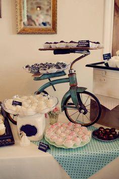 Anthropologie Inspired Texas Wedding / http://www.himisspuff.com/bicycle-wedding-ideas/2/