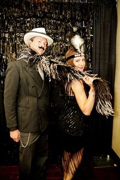 Roaring '20's Theme: props for photo booth