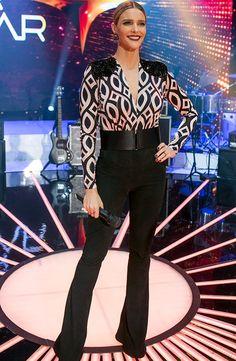 2d2bbc5941 Fernanda Lima se inspira nas touradas espanholas para look chique ♥ Look  Das Famosas