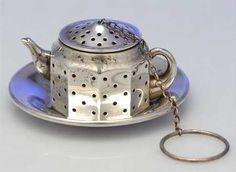 Teapot tea ball
