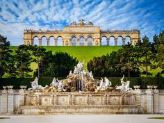 @Neoprusiano Palacio Imperial de Schönbrunn (Viena, Austria) Imperial Palace of Schönbrunn (Vienna, Austria) La Fuente de Neptuno y La Glorieta The Neptune Fountain and The Gloriette