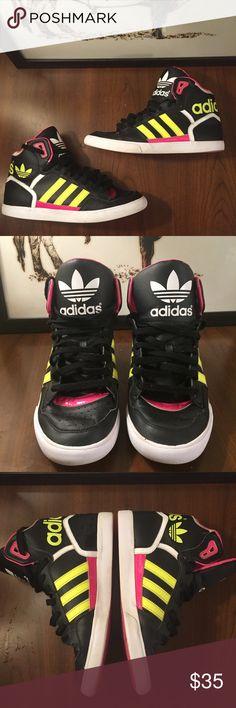 buy popular d531e f5ec3 Women s Adidas Extaball Sneaker - 9 1 2 Great condition women s Adidas  sneaker in size