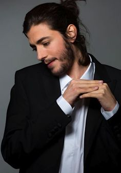 """Eurovision 2017 –Portugal The Portugalsong iscalled """"Amar Pelos Dois"""" and performed by Salvador Sobral. ARTIST Salvador Sobral studied Psychology but his overwhelming passion f…"""
